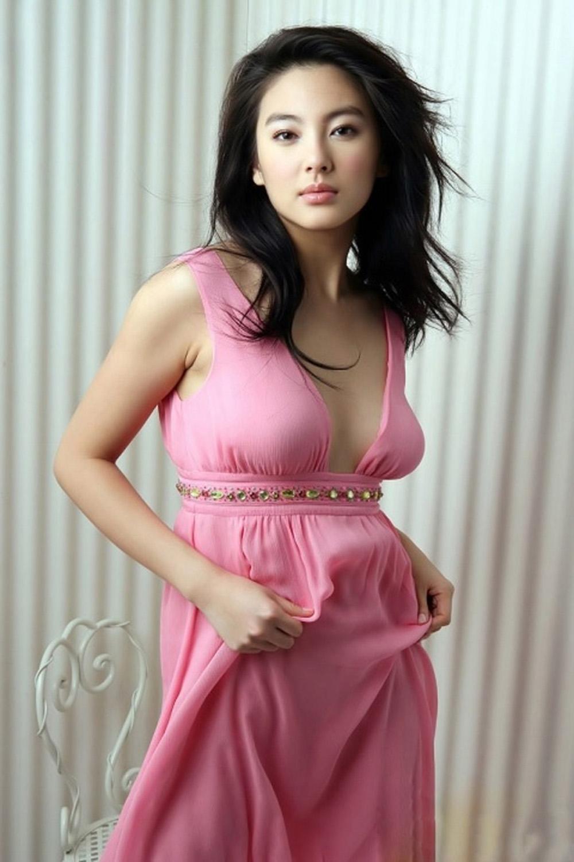 """《刀见笑》植入""""俏江南""""广告 张雨绮推辞宣传 - Zhang YuQi refuse publicity"""
