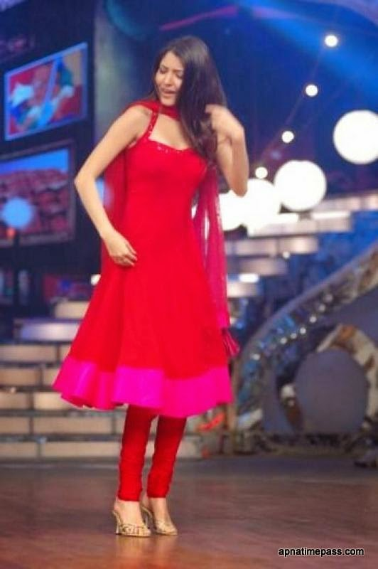 Anushka Sharma in Red suit