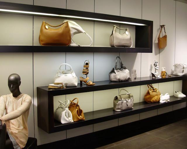 Como decorar uma loja de bolsas Del Carmen by Sarruc -> Como Decorar Uma Loja Pequena