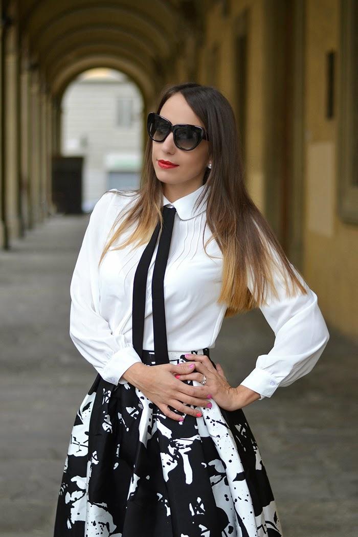 camicia bianca cravattino nero