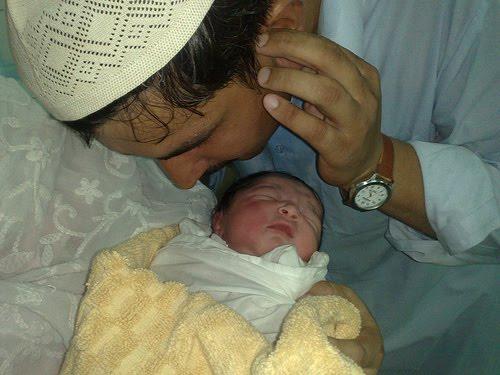 Video: Sunnah-Sunnah Rasulullah SAW Dalam Menyambut Kelahiran Bayi