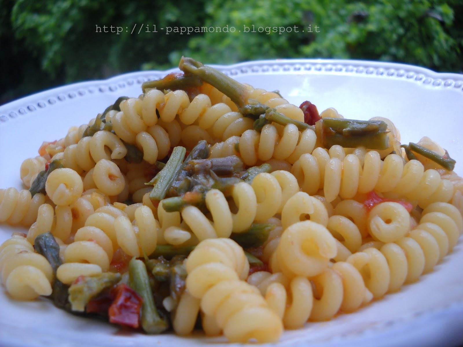 molle con asparagi e pomodori secchi