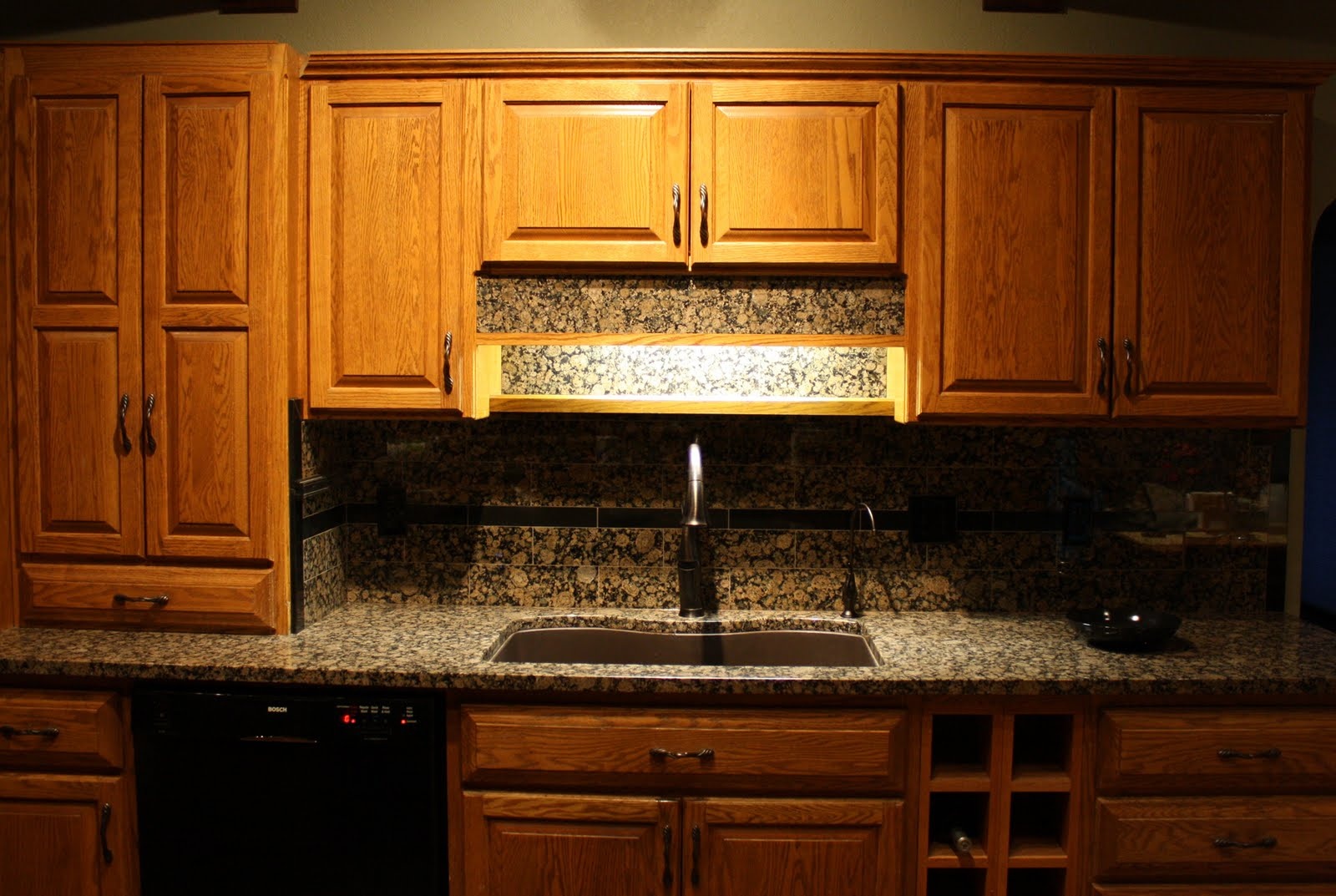 Living and dyeing under the big sky granite kitchen Backsplash pictures