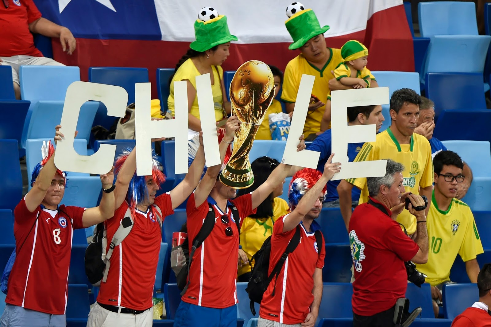 Australia Squad, Brazil, Chile Squad, Chile vs Australia, FIFA World Cup, FIFA World Cup 2014, Football, Football Fans, Sports, Group B, Tim Cahill, Claudio Bravo, Gary Medel, Mathew Leckie