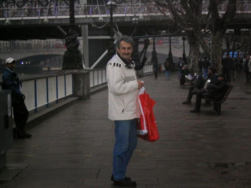 انگلستان.لندن.کنار رودخانه تیمز