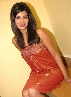 Bollywood Actress Sayali Bhagat Hot Photos