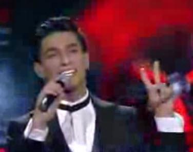 """فيديو: أغنية """"علي الكوفية مع موال لفلسطين"""" للفنان محمد عساف 21-6-2013 في برنامج عرب ايدول 2"""