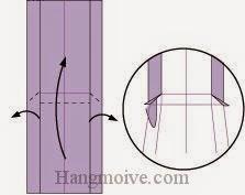 Bước 7: Mở kéo và gấp hai cạnh giấy ra ngoài. Sau đó gấp cạnh giấy lên trên.