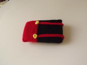 Funda móvil crochet Mickey Mouse