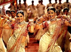 Bollywood ayrı bir dünya bayılıyorum
