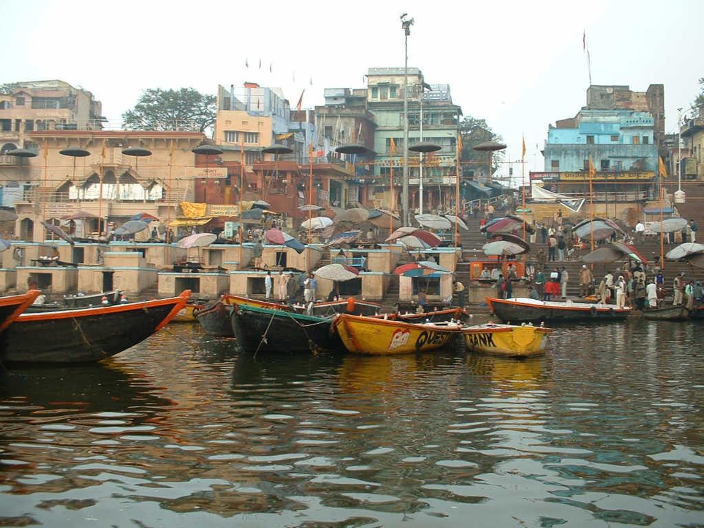 http://4.bp.blogspot.com/-w_xfnqoy0vU/TsNibrn28CI/AAAAAAAAE5E/5lv52gk6714/s1600/Varanasi+temple+High+Definition+Pictures5.jpg