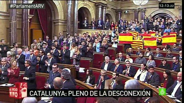 El Parlament de Catalunya aprueba la resolución de inicio del proceso de independencia