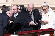 . al inicio de la misa inaugural del pontificado del papa Francisco. imagenes realeza papa francisco vaticano de marzo de