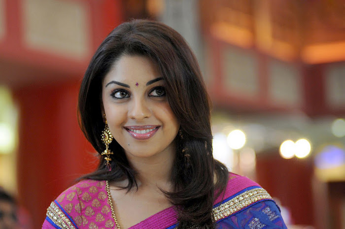 Richa Gangopadhyay Latest Closeup Cute Stills Photos unseen pics