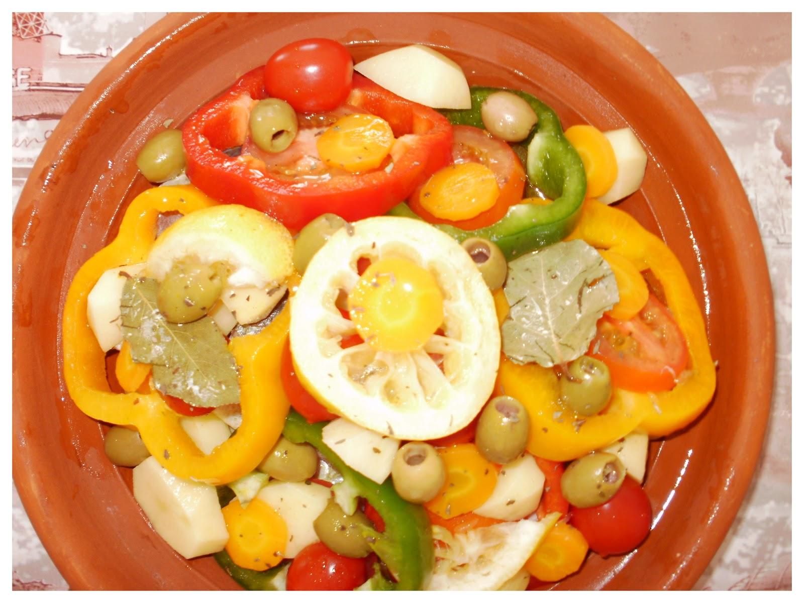 Cuisine de nejma tajine de poisson bar for Nourriture poisson rouge carotte