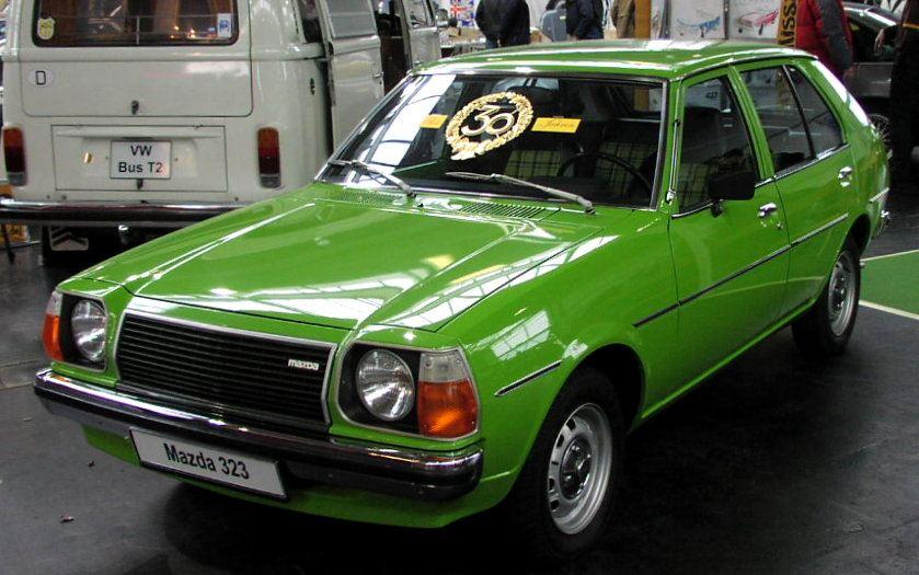 Mazda 323, Familia, klasyk, japoński, stare auto, kultowe, RWD, napęd na tył, małe, zielone
