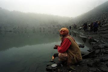 Penelitian Danau tengkorak oleh National Geographic Channel