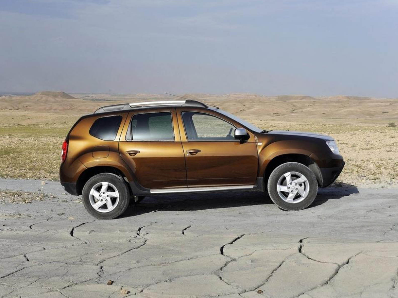 You are watching the renault duster car wallpapers renault duster car