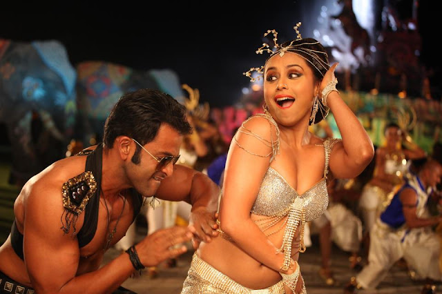 AIYYAA movie Rani Mukherjee hot photos