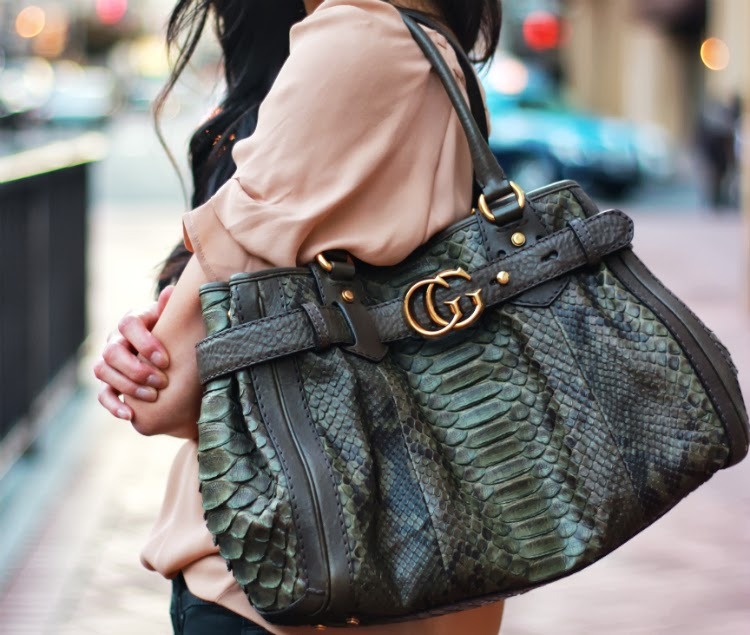 gucci python running tote olive military green