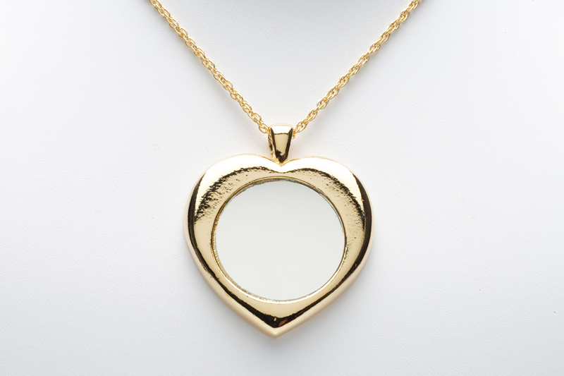 gold necklace jewellery in