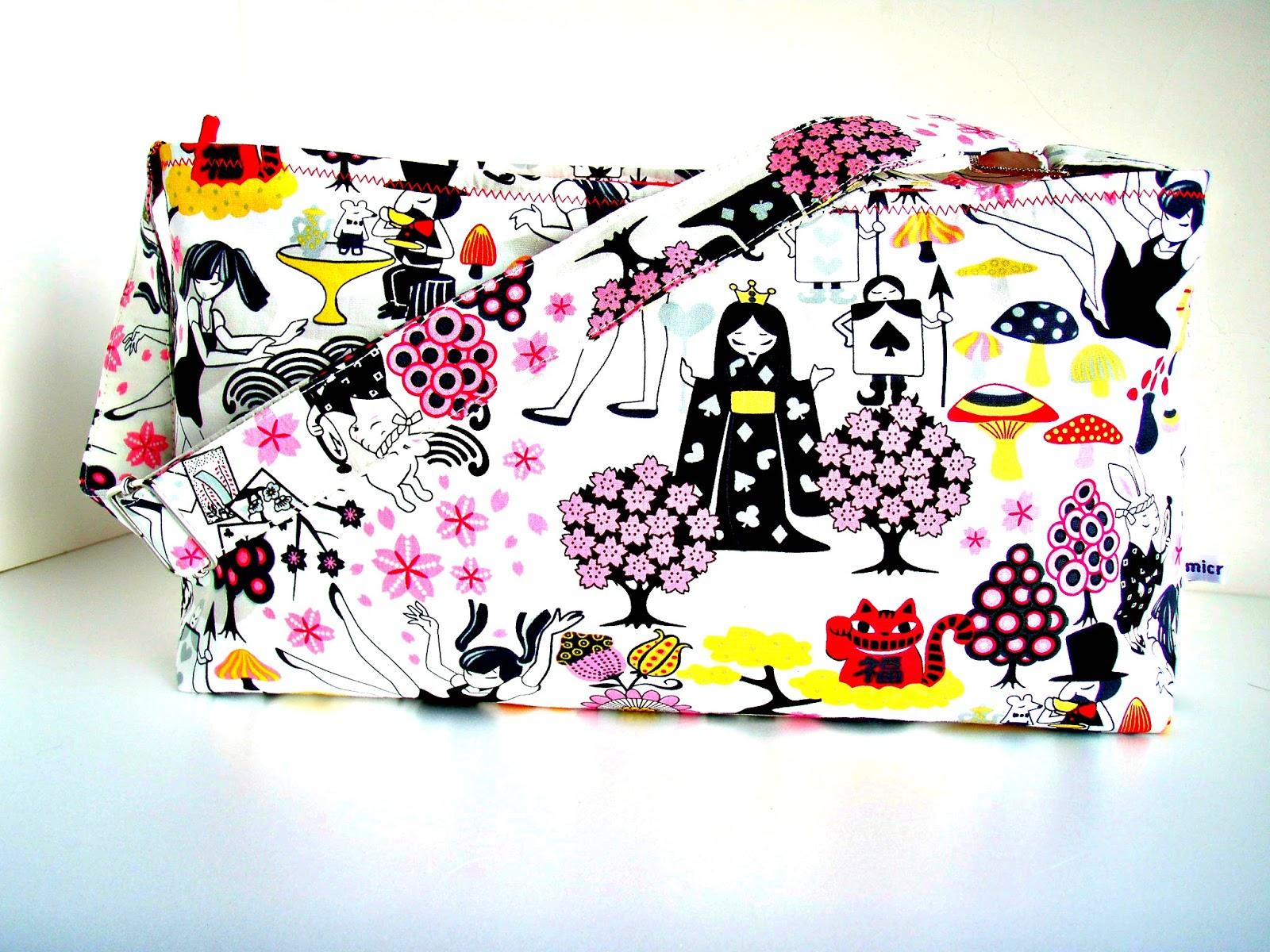 Alice Wonderland Manga Story Handbag