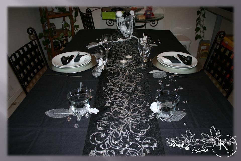 Decoration table de noel noir et blanc for Decoration table noir et blanc