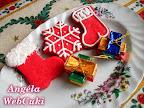 Mikuláscsizmák és hópihék, könnyen és gyorsan elkészíthető, piros színű, vaníliás kekszek Karácsonyra.