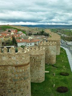 Lienzo de la muralla de Ávila desde el adarve