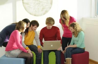 Blogs, wikis y redes sociales en la educación