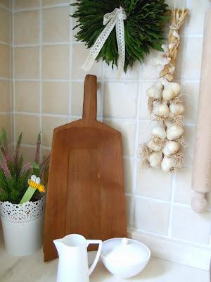 corona di alloro  in cucina