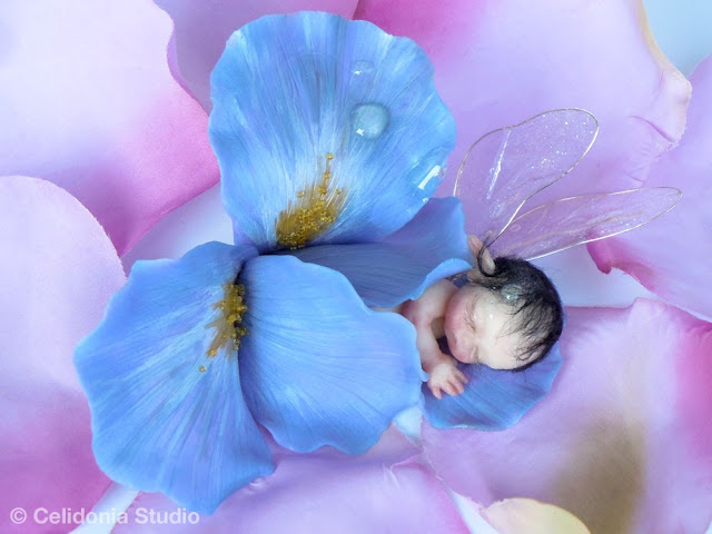 Baby Fatina dell'Iris modellata in pasta sintetica
