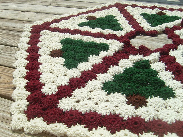 Free Pattern Crochet Tree Skirt : That Crafty Girl From Ohio: Decorate Your Home With 15 ...