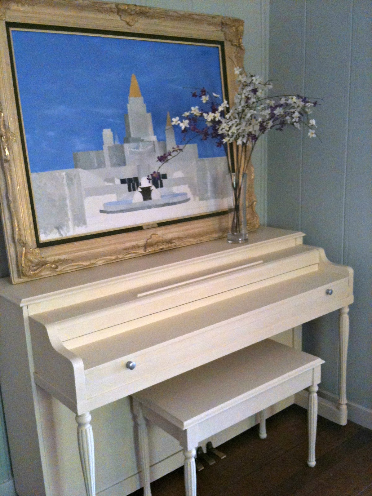 Painting a piano with annie sloan chalk paint barnaclebutt for Painting with chalk paint