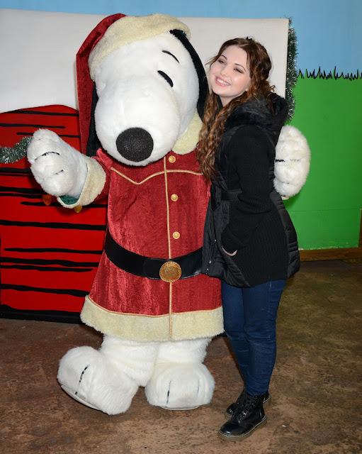 Actress, @ Sammi Hanratty Knotts Merry Farm countdown to Christmas