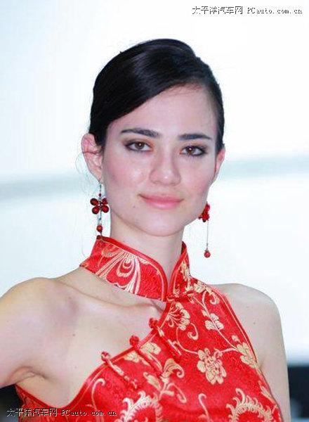 Kumpulan Foto Cewek Cantik Pake Gaun Merah