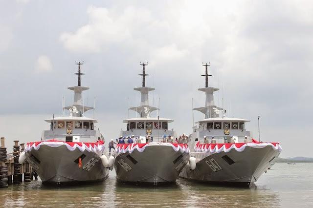 TNI AL Terima Tiga Kapal Cepat Rudal (KCR-40) Terbaru