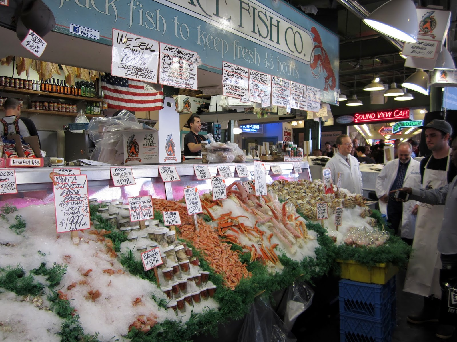 Seattleflyerguy 39 s all purpose travel blog throwing fish for Pikes market fish