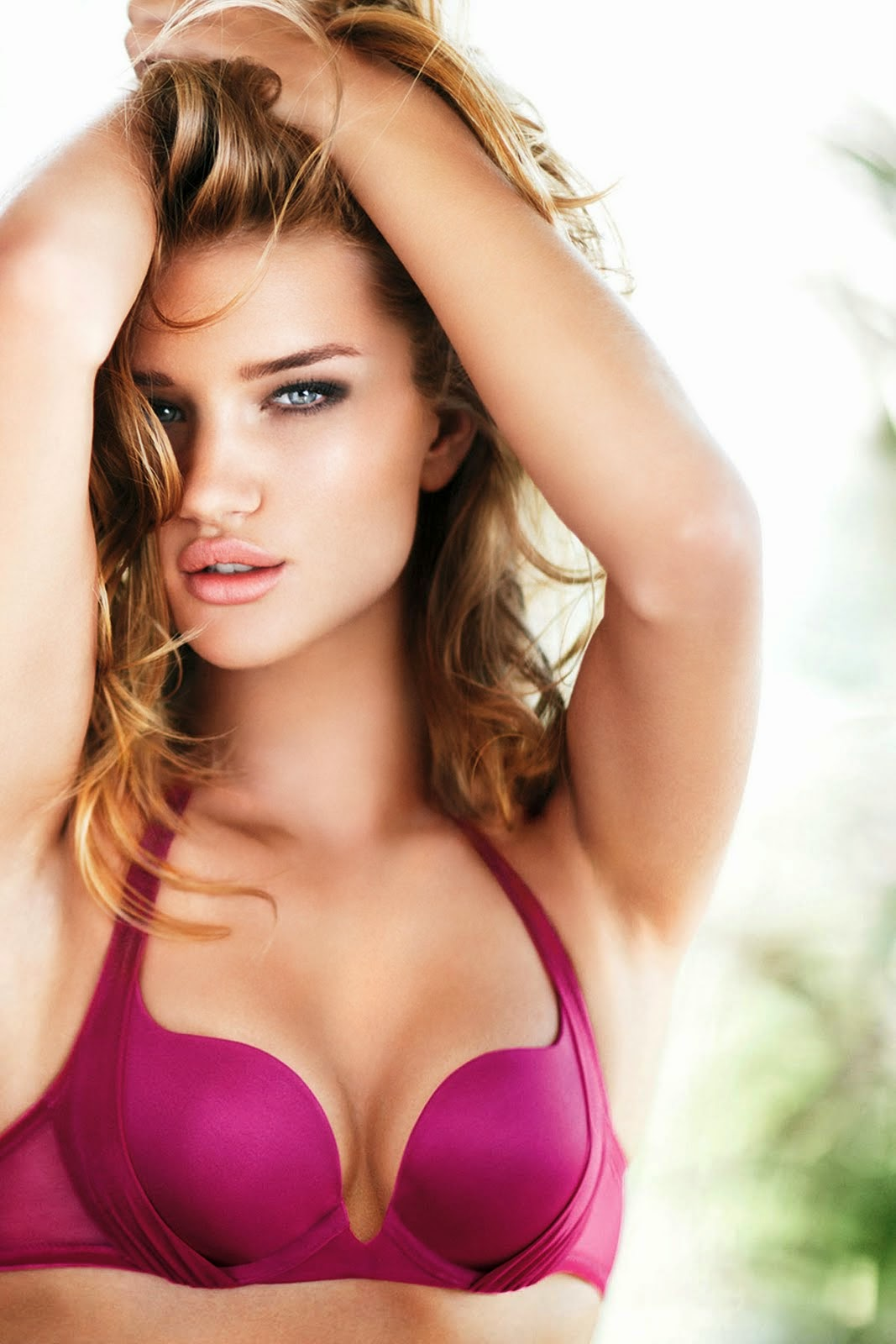 Beautiful Wallpapers   Rosie Huntington Whiteley  Secret of being