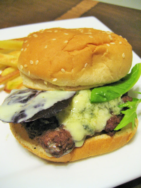 Blue-Cheese-Burger