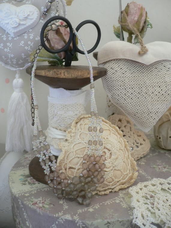 rocchetto romantico portaforbice