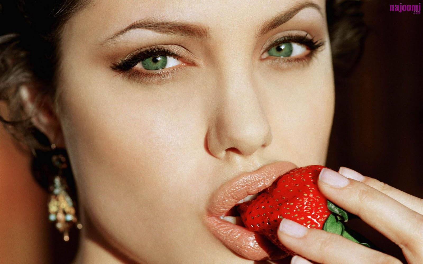 Angelina jolie eye makeup |Hollywood Makeup