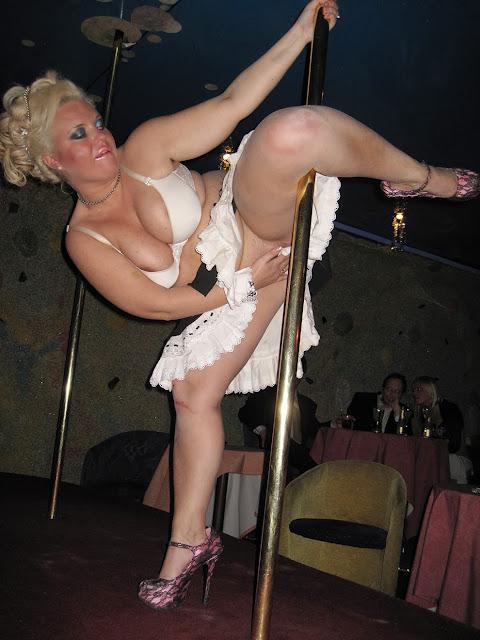 seksikäs nainen alasti johanna tukiainen alasti