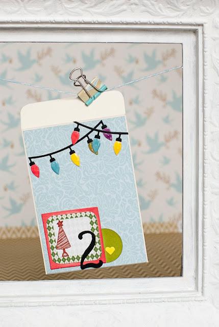 Sobre tipo tarjeta para navidad con luces y arbolito