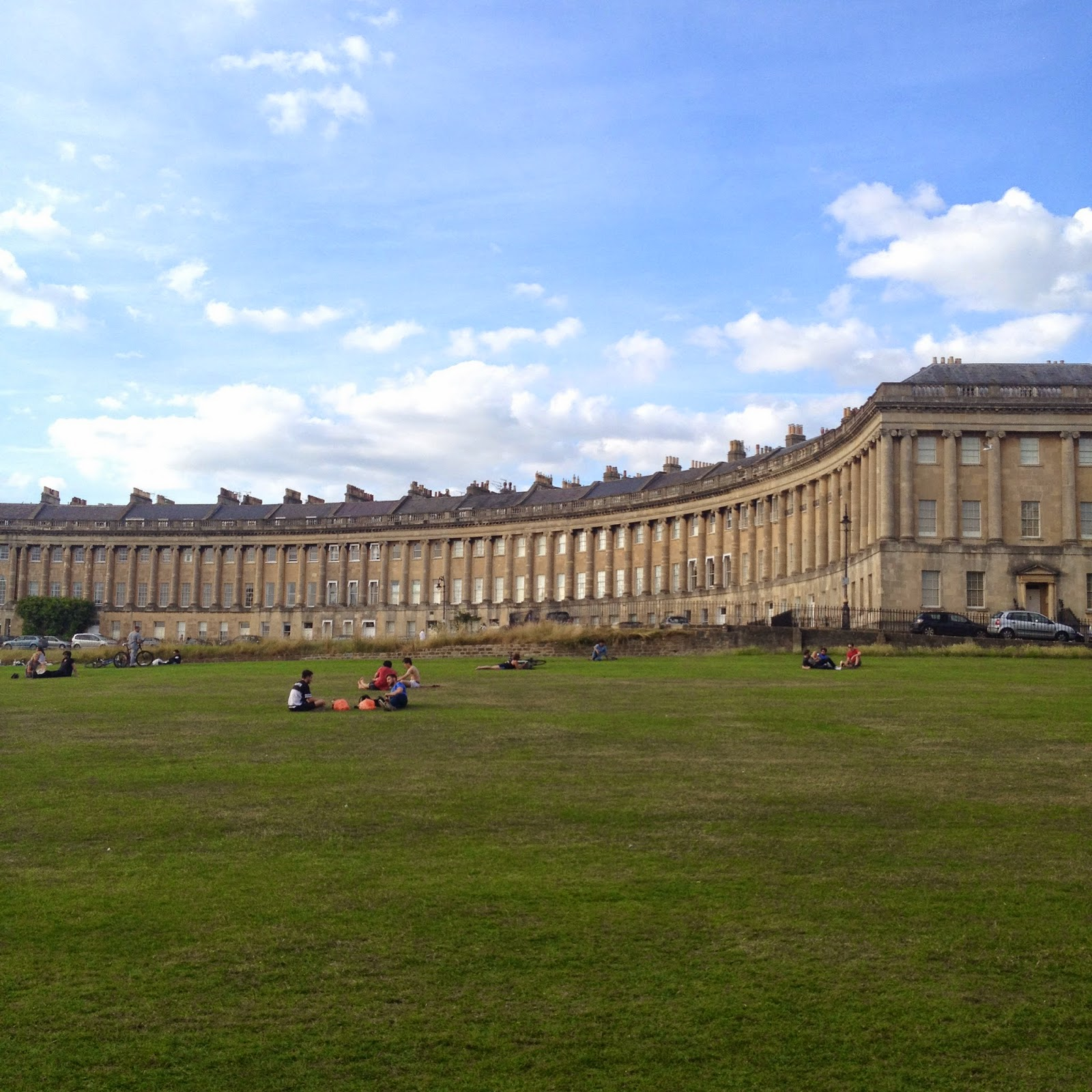 Royal Crescent Bath (photo credit: http://researchandramblings.blogspot.com/)