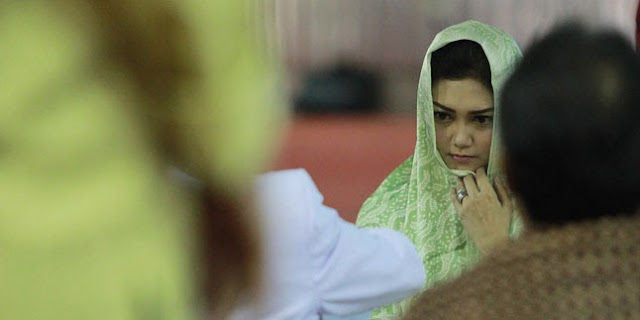 Bella Saphira Masuk Islam