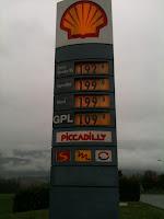 Prezzi benzina / diesel al confine di Bizzarone (5/4/2012)