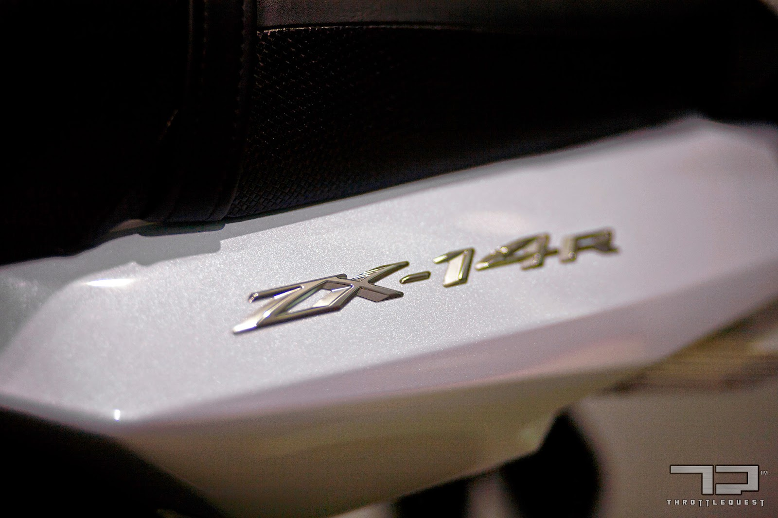 Throttle Quest Kawasaki ZX-14R Pearl White Stardust