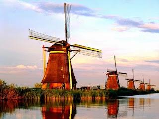 Kinderdijk, tempat konsentrasi terbesar kincir angin kuno di Belanda....!!!