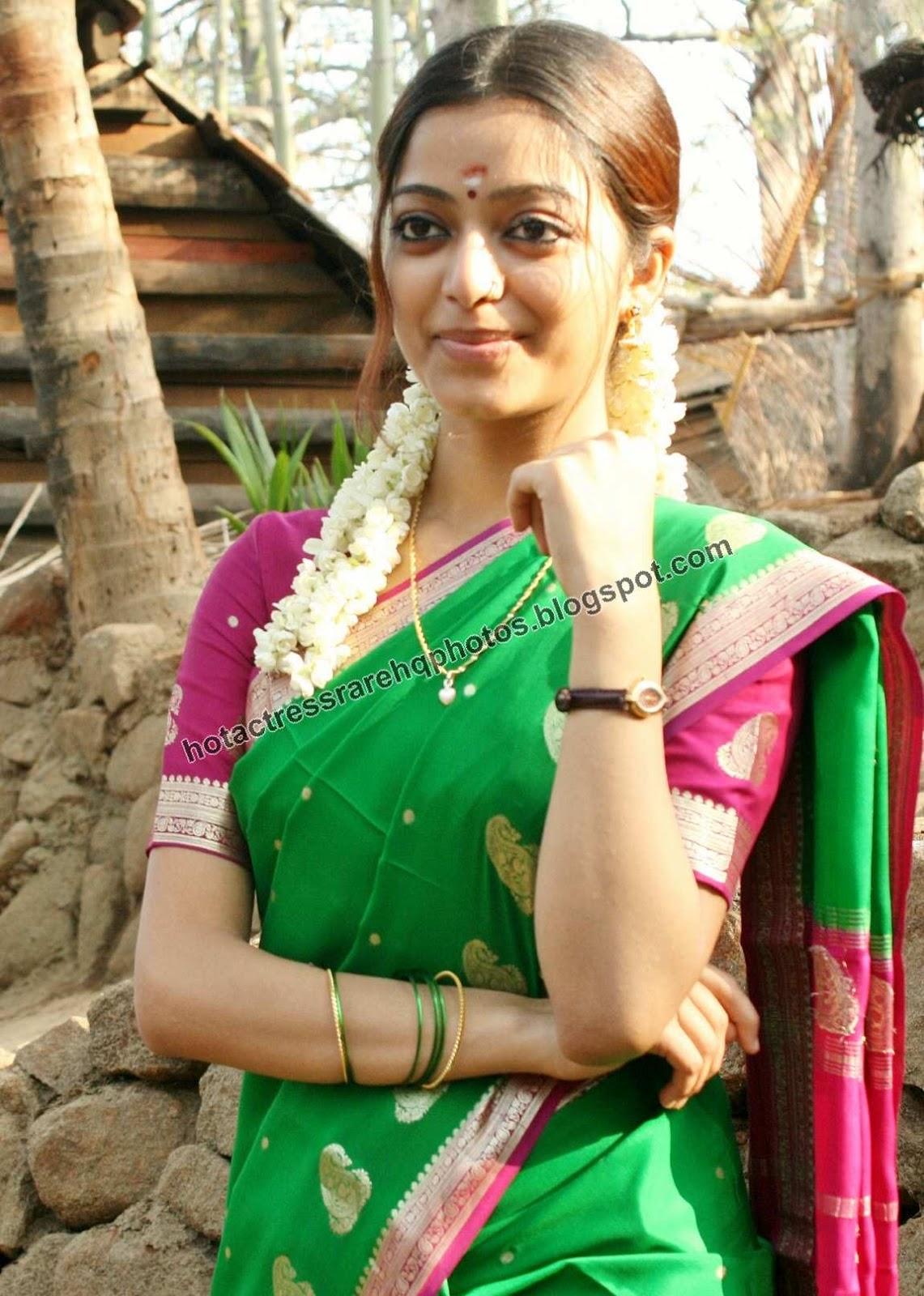 Tamil Actress Janani Iyer Unreleased Beautiful Photos in Silk Saree ...